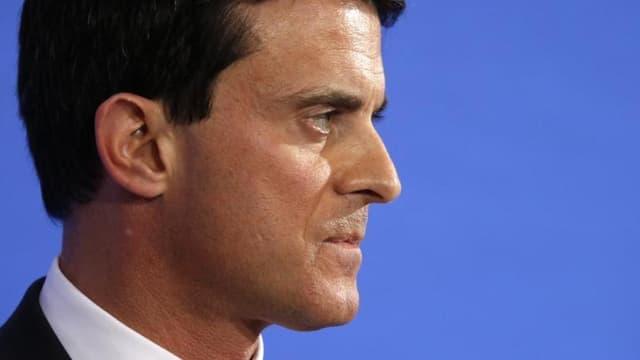 """Il n'y a """"aucune raison de demander le retrait"""" du projet de loi Travail après les modifications apportées par l'exécutif, a déclaré le Premier ministre Manuel Valls - Jeudi 17 mars 2016"""