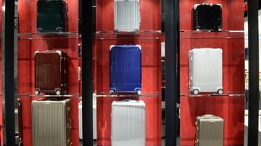 Rimowa est un fabricant de valises haut de gamme allemand, spécialisée dans la bagagerie de haute technologie.