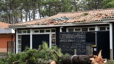 Une école à Lacanau après le passage de la tempête Amélie, le 3 novembre 2019