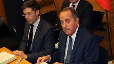 Le préfet de police de Paris, Michel Delpuech  (à droite), lors de son audition devant la commission des Lois de l'Assemblée nationale le 23 juillet