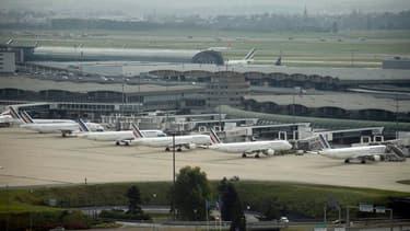 6 avions sur 10 étaient cloués sur le tarmac ce jeudi, quatrième jour de grève.