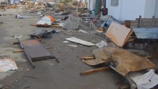 10.000 personnes seraient mortes dans la seule ville de Tacloban après le passage du puissant typhon Haiyan