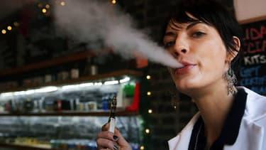 A New York comme en France, les e-cigarettes se vendent comme des petits pains.