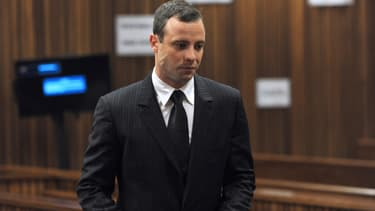 Le champion paralympique sud-africain Oscar Pistorius, qui a tué sa petite amie par balles en 2013, a officiellement saisi la Cour constitutionnelle, la plus haute juridiction du pays, pour contester sa condamnation en appel pour meurtre - Lundi 11 janvier 2016