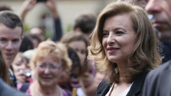 Valérie Trierweiler dans les jardins de l'Elysée le 14 juillet 2012 à Paris