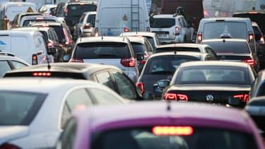 Selon des informations des Echos, le gouvernement réfléchit à mettre en place un programme d'accession à la voiture neuve pour les plus démunis.