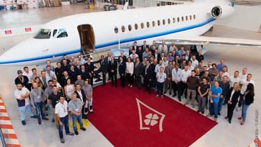 Dassault vient de livrer son premier Falcon 8X à Amjet. Dans les prochaines semaines, Dassault en livrera d'autres en Europe, au Brésil, aux États-Unis, aux Émirats arabes unis et en Inde.