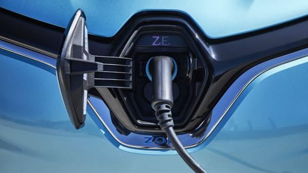 En option, un port de charge combo permettant de charger à 50 kW de puissance.