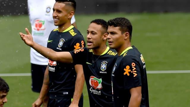 Lors de la remontada Barça-PSG (6-1), Neymar a fait souffrir ses coéquipiers en sélection Thiago Silva et Marquinhos.