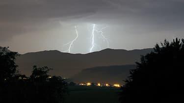 Un orage au-dessus des Vosges, le 12 juillet 2011 dans l'est de la France. (Photo d'illustration)