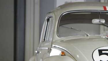 Sorti en 1968, le film The Love Bug (Un Amour de Coccinelle en français) met en scène une Coccinelle intelligente.