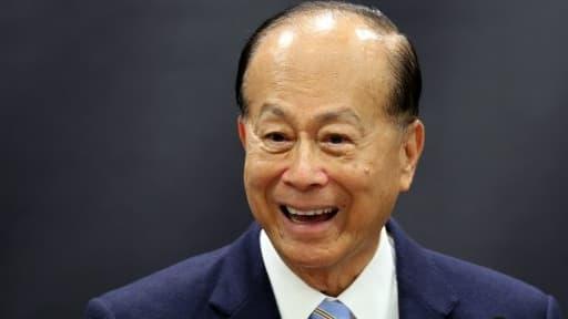 Li Ka-Shing pourrait mettre 5 milliards de dollars sur la table pour se lancer dans le transport aérien.