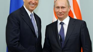 Le président américain Joe Biden, alors qu'il était vice-président, en mars 2011 avec le président russe Vladimir Poutine à Moscou