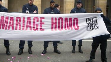 Manifestation d'Act Up en faveur du mariage homo, le 18 janvier 2011 à Paris.