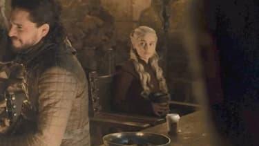 Le gobelet Starbucks dans Game of Thrones