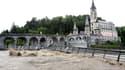 Quand le Gave de Pau noie les ponts de Lourdes.