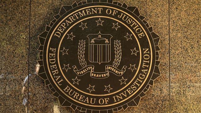 Un agent du FBI a été condamné à quatre ans de prison pour avoir divulgué à un journaliste des informations classées secret défense.