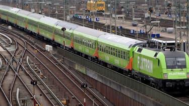 Flixtrain n'arrivera pas en France pas sur un modèle TGV. Son positionnement sera l'équivalent des trains Intercités de la SNCF.