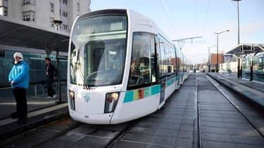 Le coût du dézonage des transports parisiens est chiffré entre 300 et 500 millions d'euros par an.