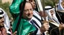 François Hollande a manié le sabre en Arabie Saoudite, l'occasion de se fendre d'une plaisanterie dans une visite protocolaire.