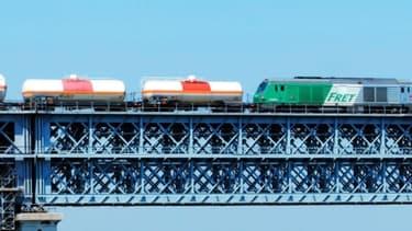 Pour relancer le transport de marchandise sur rail, le gouvernement va lancer deux projets d'autoroute ferroviaires.