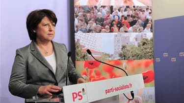 """Martine Aubry, premier secrétaire du Parti socialiste, s'est félicitée dimanche soir de la victoire du PS aux élections cantonales mais a estimé qu'il fallait l'accueillir avec """"beaucoup d'humilité"""" au vu de la forte abstention. /Photo prise le 27 mars 20"""