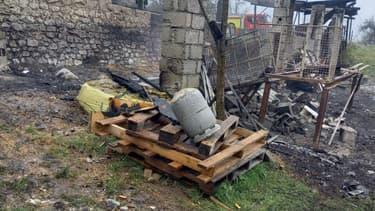 Un bâtiment de 200m² a été entièrement détruit.