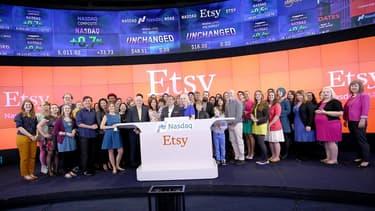 Au cours de clôture au Nasdaq, jeudi soir 16 avril 2015, Etsy était valorisée à 3,3 milliards de dollars.