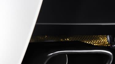 McLaren a installé cet échappement en titane doré sur sa sportive afin d'alléger la voiture, mais surtout de rendre les ronflements de son V8 plus sonore.