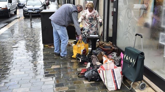"""Manuel Valls a annoncé la mise en place d'un """"fonds d'extrême urgence"""" pour venir en aide aux sinistrés des inondations."""