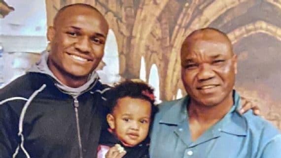 Kamara Usman (à gauche) avec sa fille Samirah et son père Muhammed