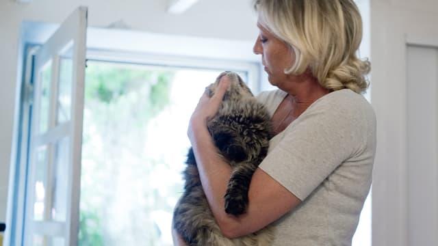 Après la mort d'un de ses chats, Marine Le Pen déménagé du domaine de Montretout.