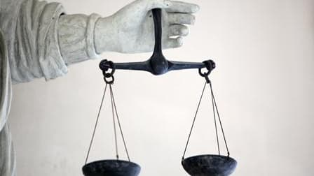 Le président de la cour d'appel de Paris a renoncé à choisir les magistrats qui conduiront le procès en appel de l'affaire Clearstream, où doit comparaître l'ex-Premier ministre Dominique de Villepin. Le procès est de ce fait différé au deuxième trimestre