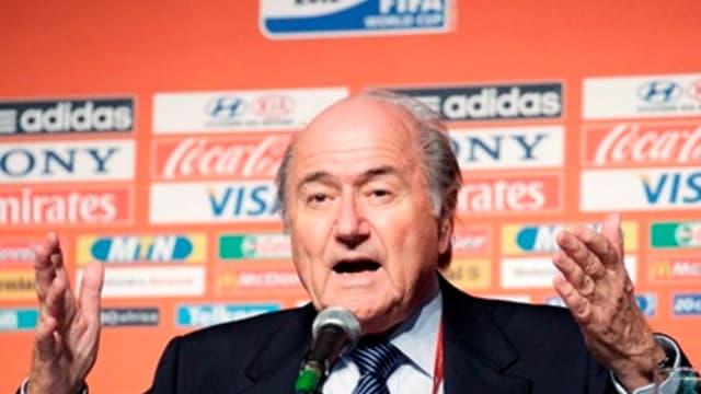 Sepp Blatter et la FIFA ont les moyens de faire respecter l'indépendance de la FFF