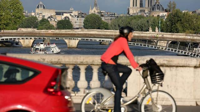 Distance lors d'un dépassement, respect des pistes cyclables, ces petits trucs pour faciliter la cohabitation entre cyclistes et automobilistes.