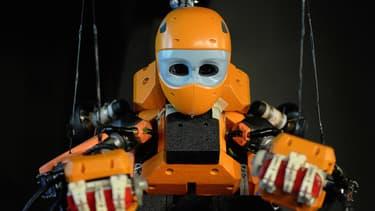 Ce robot intelligent a été présenté à Paris en avril dernier. Actuellement en test à Marseille, c'est un archéologue qui peut faire des fouilles dans les abysses. Menace-t-il l'avenir des professionnels ou les aidera-t-il dans leurs travaux?
