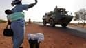 Véhicule militaire français à Diabali. Un contingent de 160 soldats burkinabés membres de la Misma, la force ouest-africaine au Mali, a été le premier jeudi à rejoindre les forces françaises et maliennes dans la ville de Markala, à environ 240 km au nord-