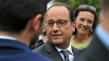 Le président François Hollande le 11 septembre 2015 à Saint-Aignan