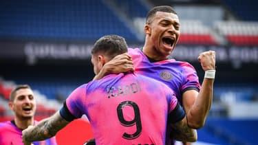 La joie de Kylian Mbappé après la victoire contre Saint-Etienne