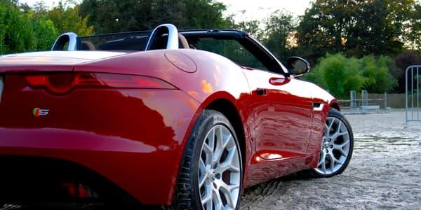 Il y a longtemps qu'une Jaguar n'avait pas si bien allié personnalité et modernisme.