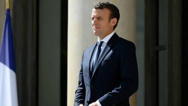 Emmanuel Macron le 12 juin 2017 sur le perron de l'Elysée.