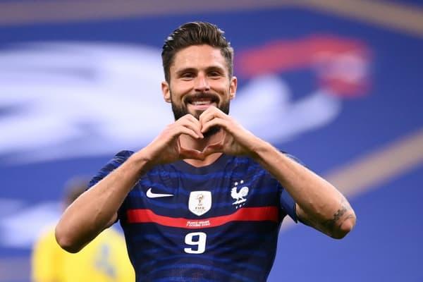 La joie de l'attaquant Olivier Giroud, après son doublé marqué contre l'Urkaine, lors d'un match amical, le 7 octobre 2020 au Stade de France à Saint-Denis
