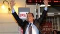 """Choisi pour porter les couleurs du Parti socialiste avec près de 57% des voix de sympathisants de gauche, François Hollande a marqué dès dimanche soir son refus d'""""une campagne avec double commandement"""", Martine Aubry, son ex-rivale, reprenant dès lundi l"""