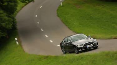 L'Infiniti Q50 passe à 400 chevaux pour aller chercher la BMW M3.