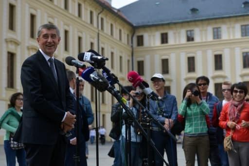 Le ministre tchèque des Finances, Andrej Babis, répond aux questions des journalistes, le 3 mai 2017 à Prague