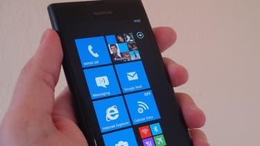 Nokia devrait présenter un nouveau modèle de sa gamme Lumia. (Ici, le modèle Lumia 800.)