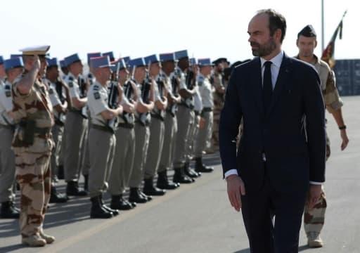 Le Premier ministre Edouard Philippe sur une des bases militaires françaises à Abou Dhabi le 10 février 2018