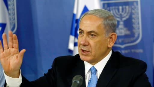 """Benjamin Netanyahu a déclaré samedi que l'armée israélienne poursuivrait ses opérations contre le Hamas dans la bande de Gaza """"aussi longtemps que nécessaire""""."""