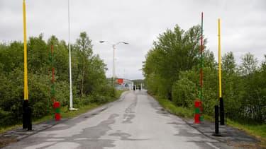 Au passage frontière entre la Russie et la Norvège, à Storzkog.