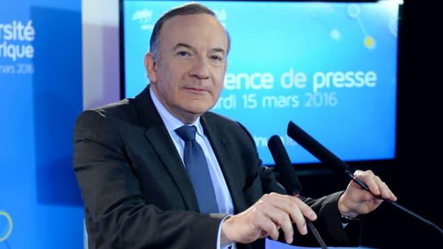 """Pierre Gattaz trouve l'idée d'Emmanuel Macron """"rafraîchissante"""""""